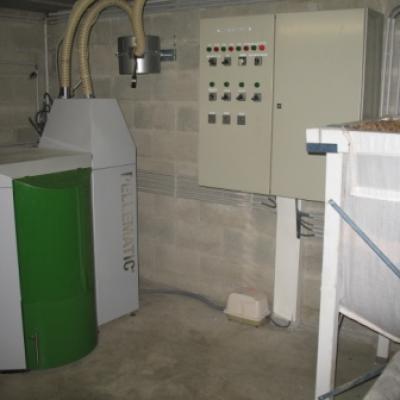 Delmelle Energies chaudière Okofen à aspiration avec petit silo 450 kg